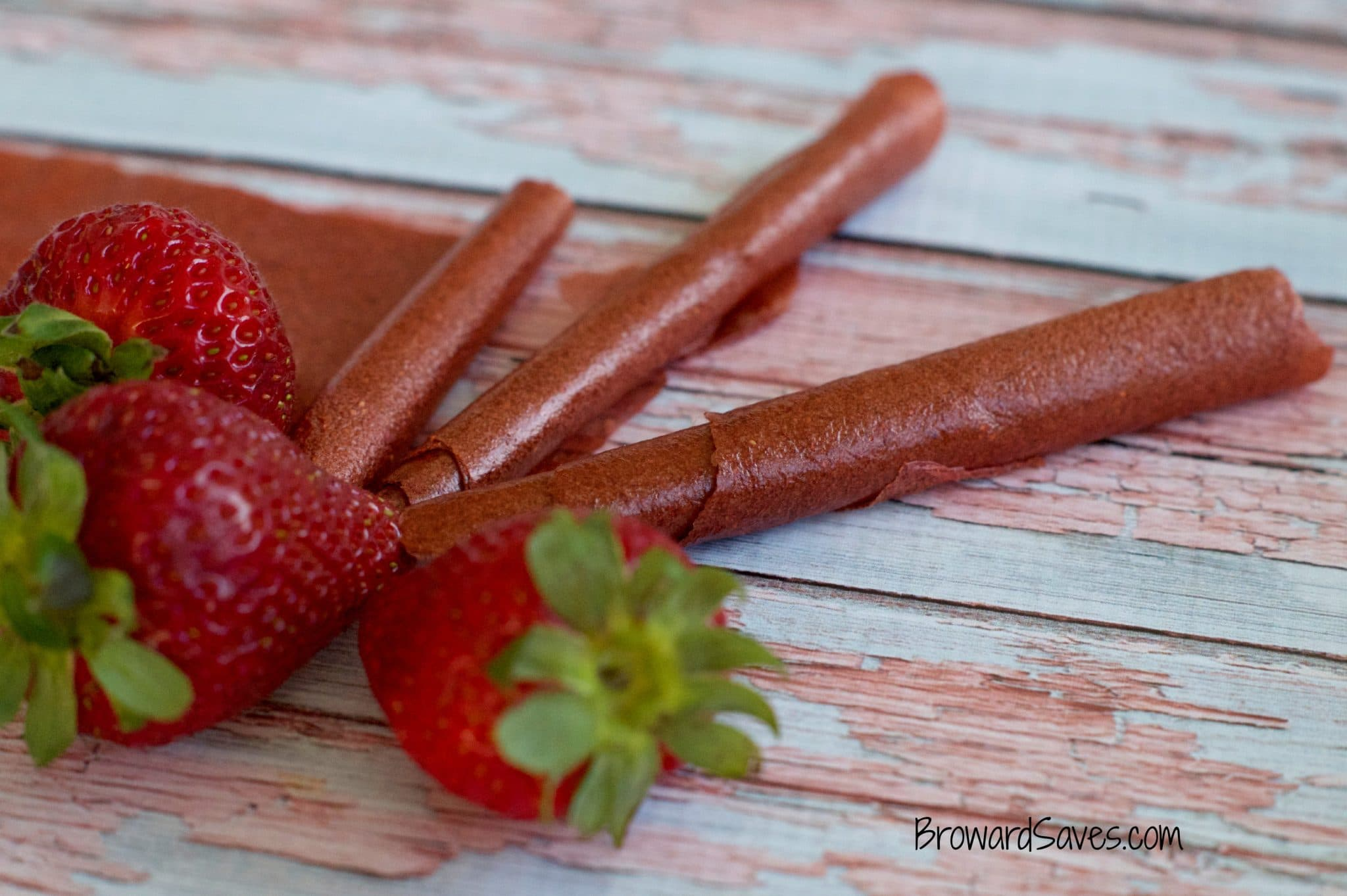 Homemade Strawberry Fruit Roll Ups Recipe - Living Sweet ...