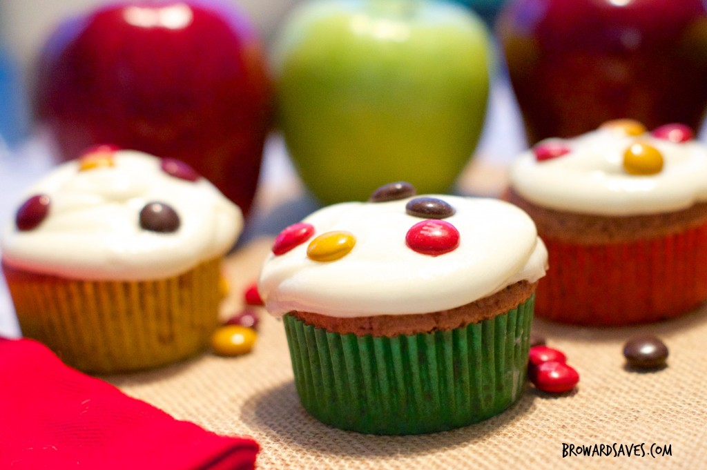 Apple-Chocolate-Spiced-Cupcakes-With-Cider-Frosting-6