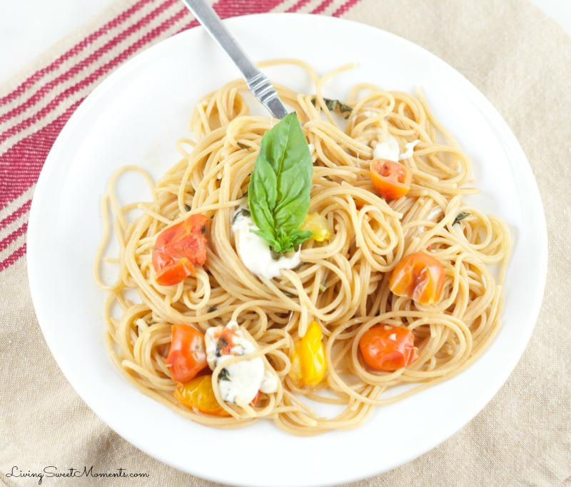 One Pot Caprese Pasta Recipe - made in 10 minutes and requires absolutely no draining. It's the perfect easy weeknight dinner idea and great for entertaining as well!