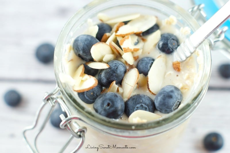 overnight oatmeal in a jar recipe - easy, simple and takes literally seconds to prepare. It tastes even better than regular oatmeal.