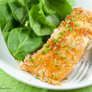 Apricot Glazed Salmon - Just 4 ingredients is all it takes to make this elegant and easy quick weeknight dinner. The Baked Salmon is juice, sweet and tasty.