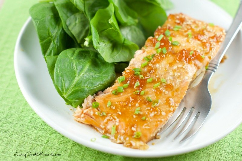 Apricot Glazed Salmon - Just 5 ingredients is all it takes to make this elegant and easy quick weeknight dinner. The Baked Salmon is juicy,, sweet and tasty.