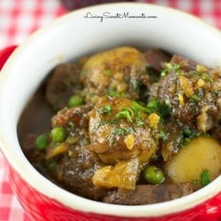 Guinness Beef Stew - Slow cooker beef stew made with beef and hearty veggies served with a delicious Guinness Beer sauce. Perfect irish stew recipe.