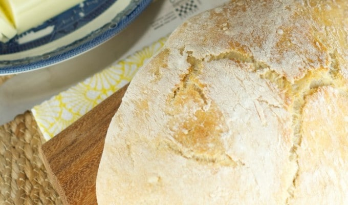 No Knead Crusty Bread (4 Ingredients)