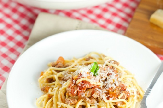 Spaghetti Spaghetti with San Marzano Tomato And Meat Sauce - Delicious & easy to make Spaghetti with meat sauce is the perfect quick weeknight dinner idea with ground beef! with San Marzano Tomato And Meat Sauce - Delicious & easy to make Spaghetti with meat sauce is the perfect quick weeknight dinner idea with ground beef!