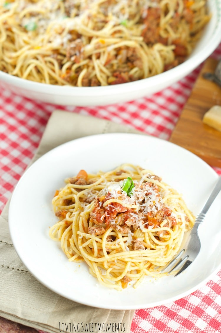 This amazing Spaghetti with meat sauce is the perfect quick weeknight dinner idea that your whole family will love. Enjoy a nice rich Italian sauce at home.