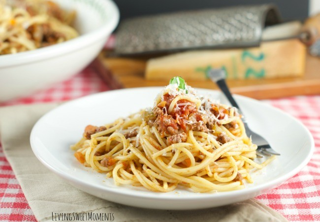 Spaghetti with San Marzano Tomato And Meat Sauce - Delicious & easy to make Spaghetti with meat sauce is the perfect quick weeknight dinner idea with ground beef!