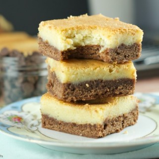 Tuxedo Brownies : Fudgy rich chocolate brownies are topped with a layer of soft white chocolate blondies. This yumy 2 layer brownie is a chocoholic's dream.