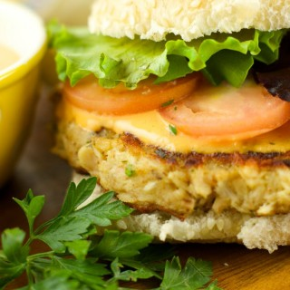 Tuna Burgers With Roasted Pepper Tartar Sauce