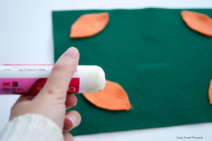 These easy DIY Football Placemats can be easily made by kids and is perfect for parties. It takes few materials to put it together and cost just pennies.