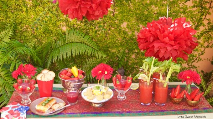 Here's a beautiful table presentation and great tips and idea on how to throw an Elegant Mexican Fiesta Party complete with food, drinks and decoration. Que empiece la fiesta!