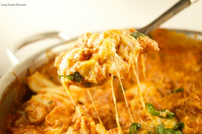 This delicious Cheesy One Pot Chicken Lasagna is ready in 30 minutes or less. The perfect quick weeknight dinner recipe to share with the family or parties.