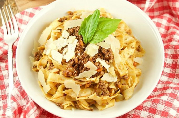 This easy Bolognese Sauce Recipe tastes amazing and is perfect to serve with pasta, lasagna, etc. A truly authentic Italian flavor. Can be frozen too!