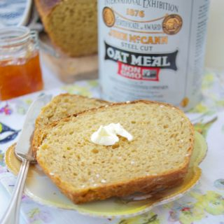 Deliciously Easy Irish Oatmeal Bread