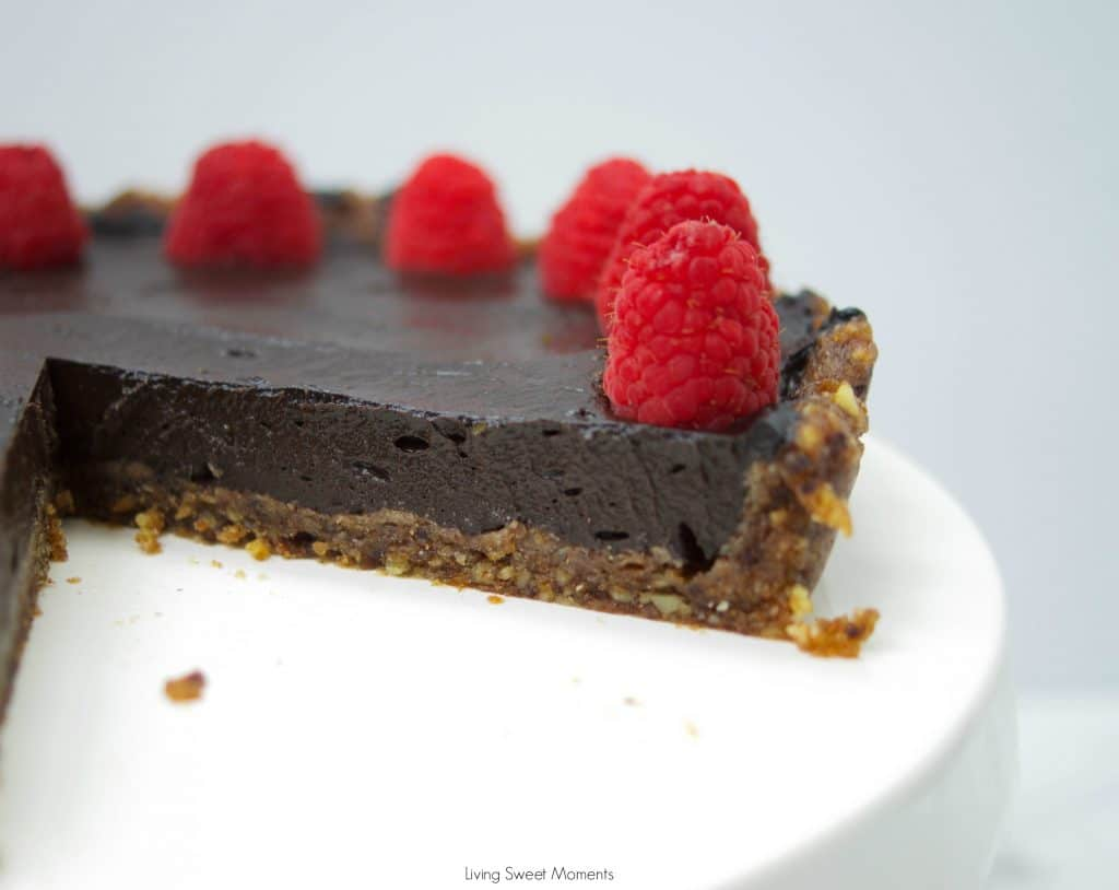 This no-bake decadent Chocolate Avocado Tart is vegan, gluten-free, easy to make and delicious. Enjoy the creaminess of the avocado with the cocoa flavor.
