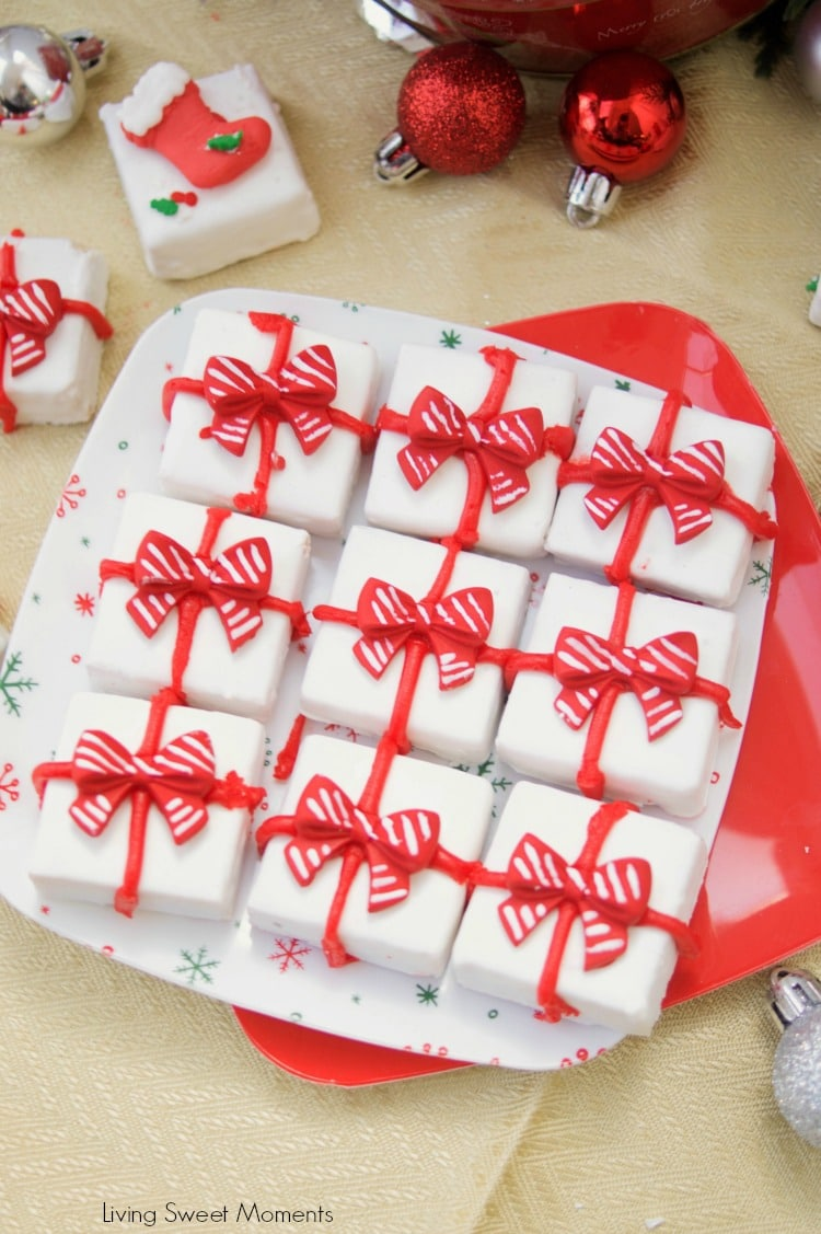 This delicious Gingerbread Holiday Fudge is perfect for Christmas parties and to give as DIY Gifts. Serve it in a present shape or decorate with sprinkles.