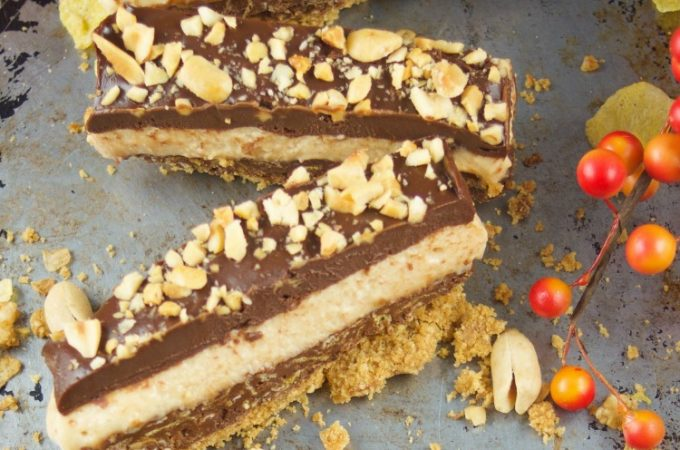 This crunchy No Bake Chocolate Peanut Butter Bars recipe have 4 layers of decadence. Enjoy peanut butter mousse, cookie base and chocolate ganache.