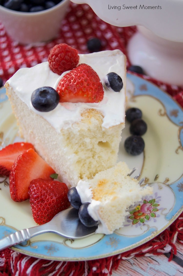 Incredibly delicious sugar free angel food cake living sweet moments this delicious sugar free angel food cake recipe is super easy to make low carb forumfinder Image collections