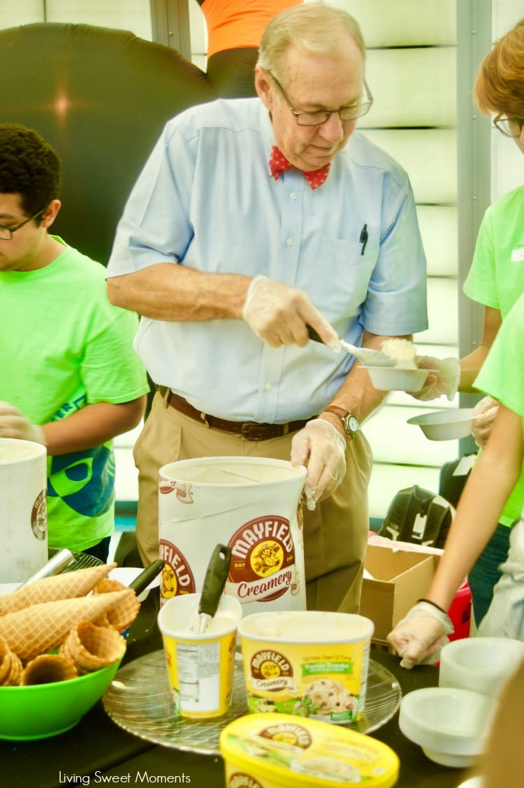 At last! Mayfield Creamery Debuts in South Florida. Scottie Mayfield serving patrons at Miami children's Museum