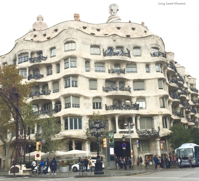 A beautiful historic city with amazing views and beaches, if you're visiting Barcelona for the first time don't miss my top 5 favorite places to visit and enjoy Gaudí's genius architectural work.