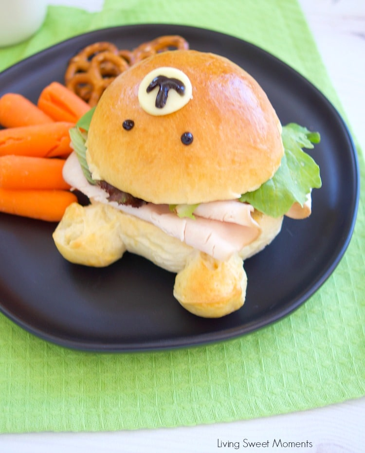 Check out how to make these delicious & adorable Teddy Bear Sandwich Buns. Fill them with turkey, mayo, and lettuce