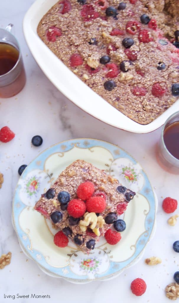 A delicious comforting breakfast that will keep energized all day! this amazing Baked Oatmeal with berries made with walnut and citrus zest