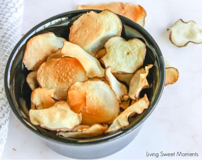 These delicious baked sunchoke chips are crunchy, healthy, and super easy to make! They are perfect as a snack on the go or as a side-dish